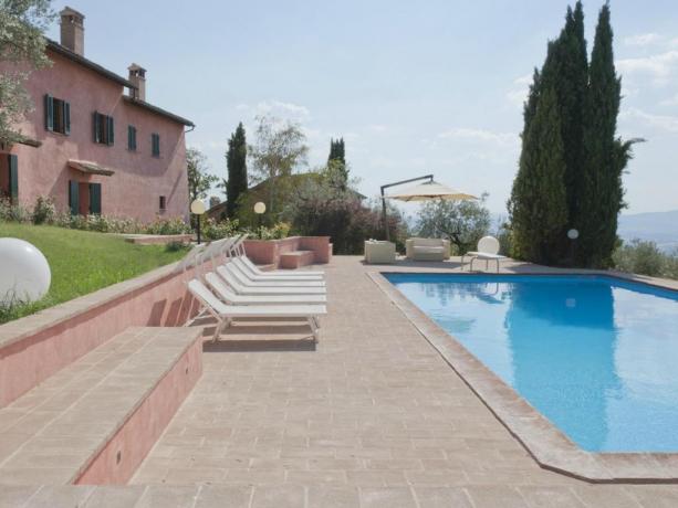 Villa con Piscina Panoramica Privata ideale per Famiglie