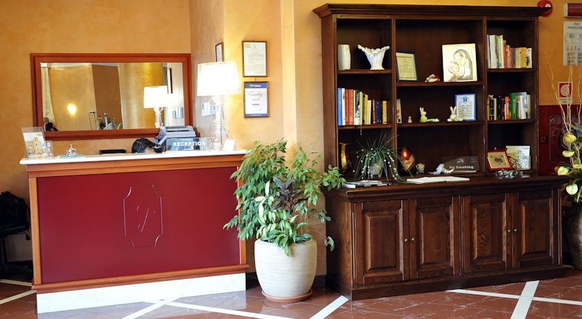 Hall dell'albergo  vicino al mare di Tropea