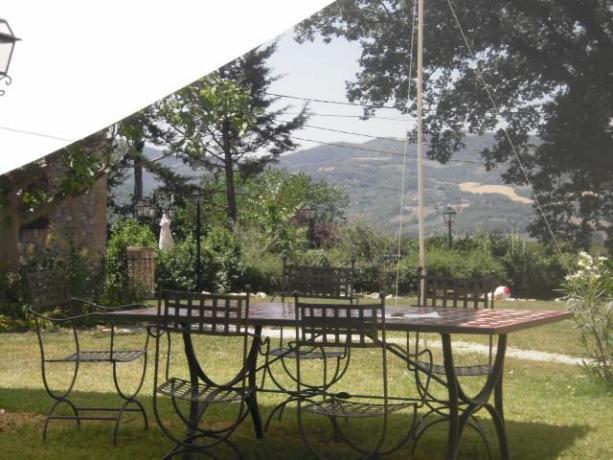 Agriturismo con gazebo esterno per pranzo Umbertide