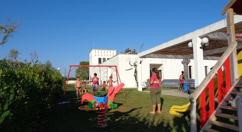Residence con parco giochi, Alimini