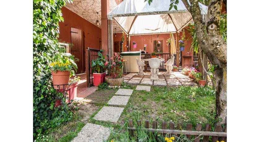 patio esterno casavacanze Terni Umbria natura