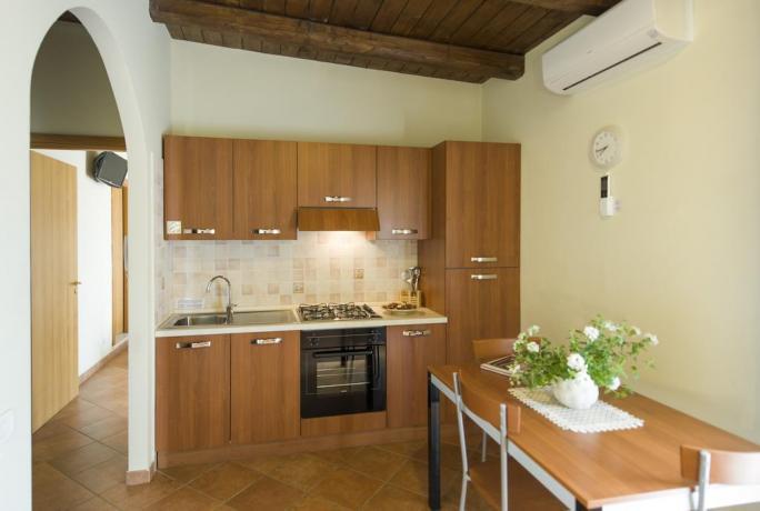 Bilocale 3 posti letto con cucina residence Ronciglione