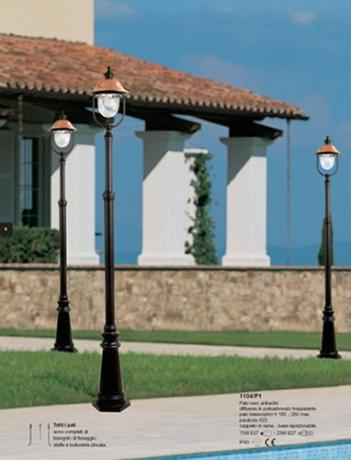 Pali da giardino illuminazione classica illuminazione - Pali per lampioni da giardino ...