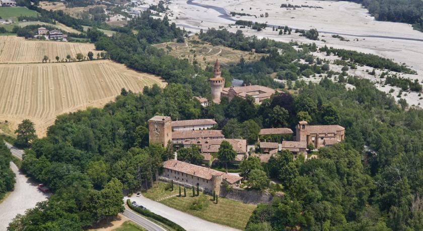 Il Borgo immerso nella valle del Trebbia