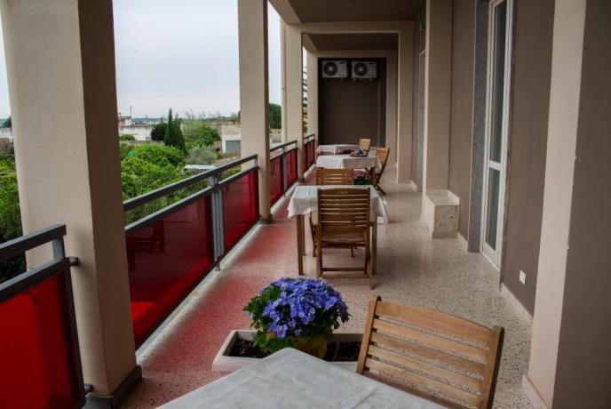 Terrazzo comunicante hotel 3 stelle Trapani