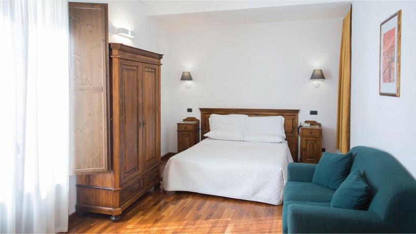 Hotel vicino alla piazza di Largo Petrolo Castellammaredelgolfo