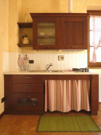 Cucina dell'appartamento per disabili