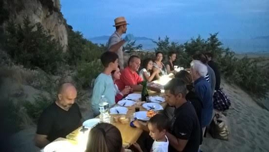 cena sulla spiaggia deserta collelungo parco maremma