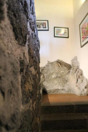 Roccia vulcanica agriturismo Adrano vicino Parco Etna