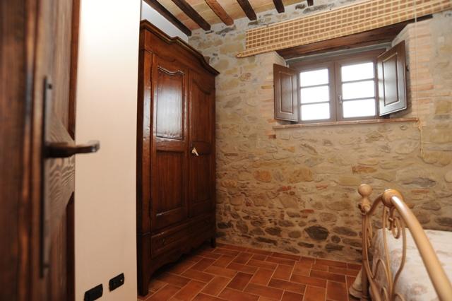Camera letto in ferro battuto appartamento il Pino