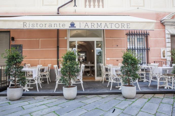 Esterno Ristorante L'Armatore hotel Finale Ligure