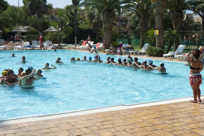 Animazione e attività in piscina