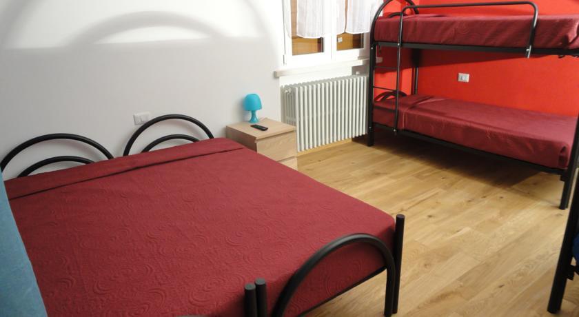 Ampie Camere Familiari economiche a Pavia