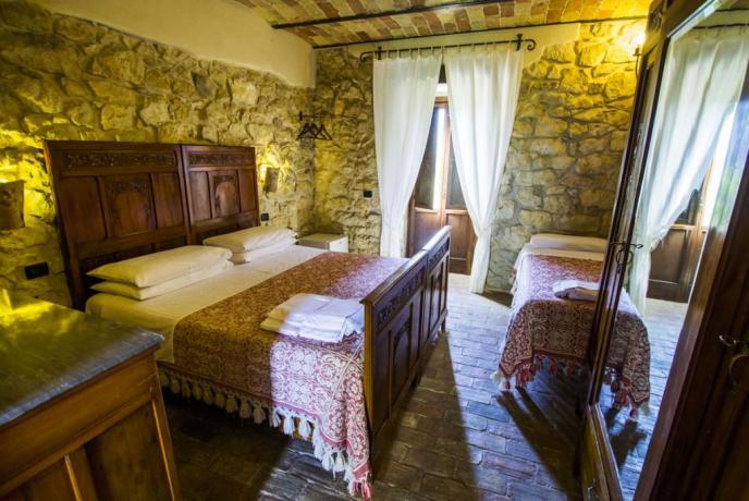 Camera Matrimoniale Orione Abbateggio (PE) vista montagna Abruzzo
