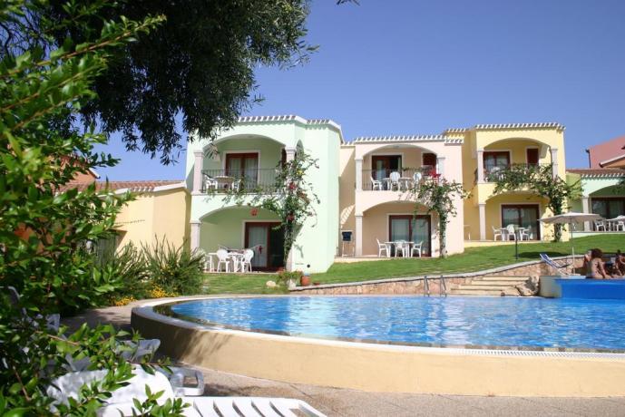 residence immerso nel verde della macchia mediterranea