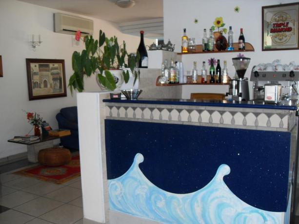 Hotel a Campofilone con Bar privato per ospiti
