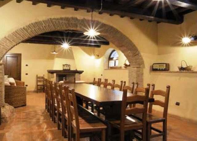 Zona taverna per pasti in famiglia!