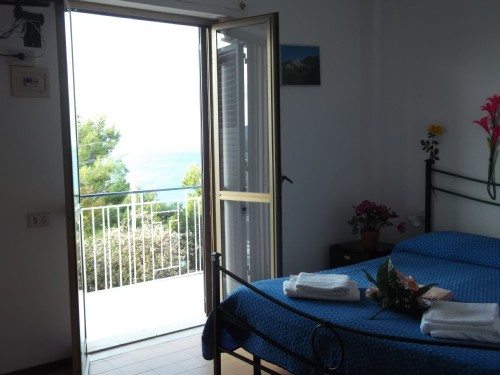 Camera Matrimoniale con Balcone Vista Panoramica