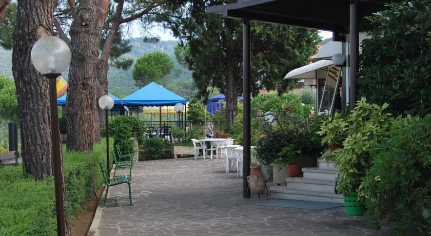 Giardino dell'Hotel a Passignano