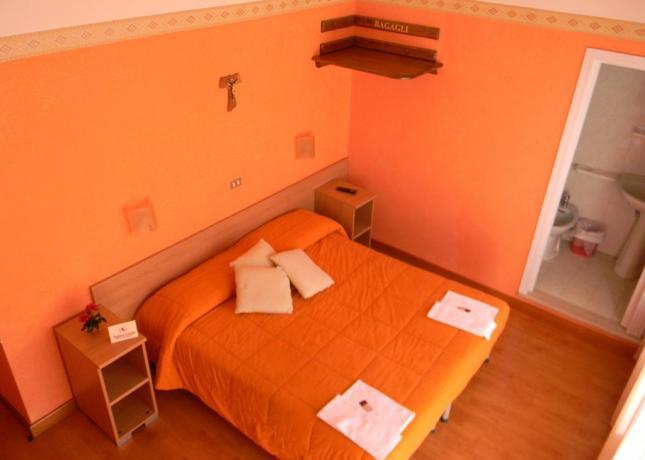 Camera matrimoniale con bagno B&B San Giovanni Rotondo