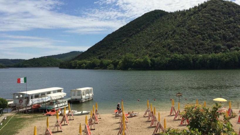Spiaggia attrezzata Lago di Piediluco