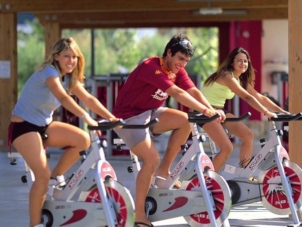 Area Fitness di ultima generazione in villaggio turistico