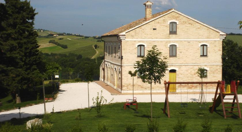 Vista country house Montecarotto