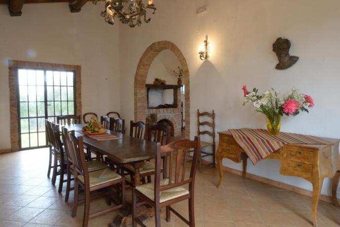 Villa esclusiva a Castiglione-del-Lago 13persone sala comune