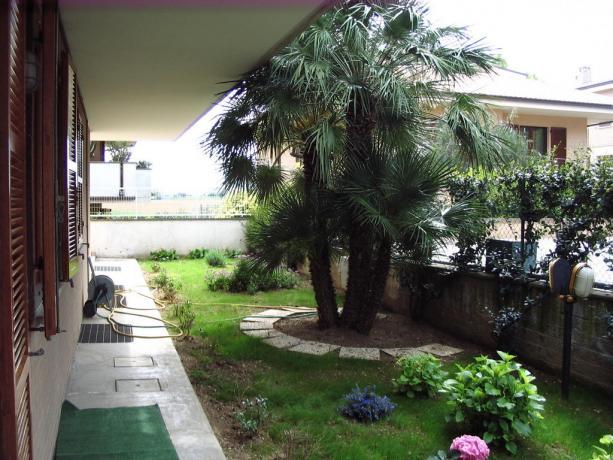 Appartamenti con grande giardino curato Porto Sant'Elpidio