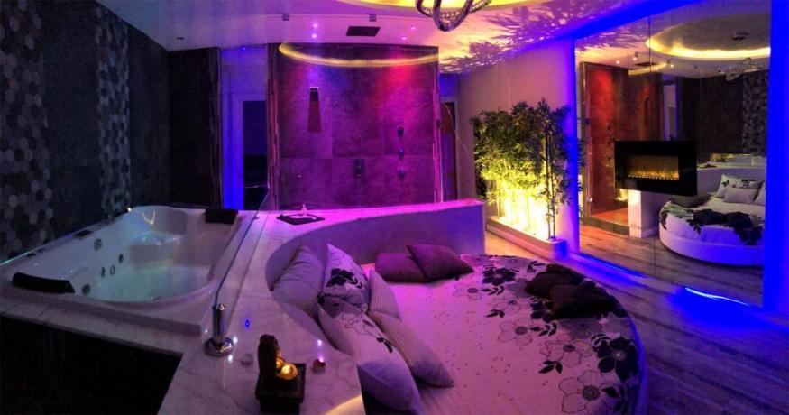 Camera Romantica con luci effetto
