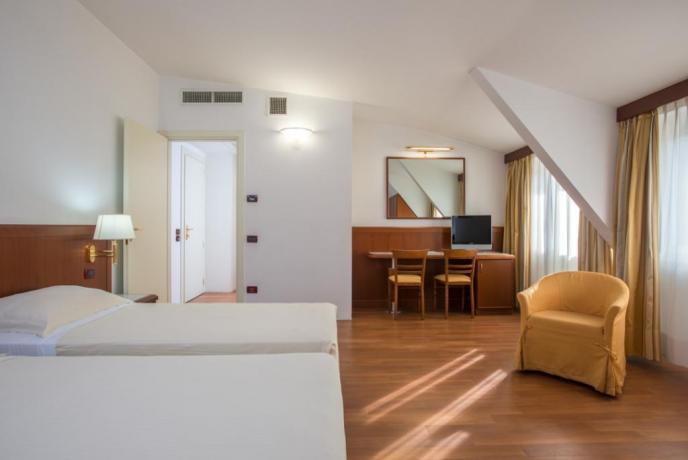 Hotel 4stelle Rende, camere matrimoniali, TvLcd e Wifi