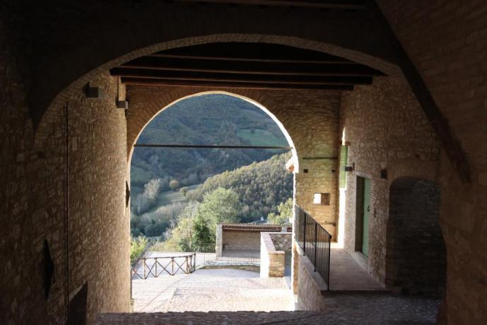 Scorcio panoramico umbro dal resort a Valtopina