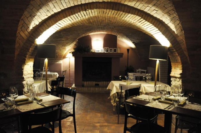 Agriturismo Navello, piscina e ristorante di lusso