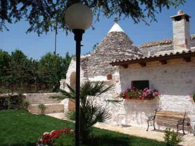 Houses with Private Garden for Rent in Apulia