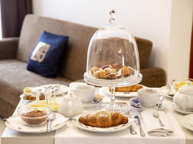 Suite hotel 4stelle servizio colazione camera Battipaglia-Salerno