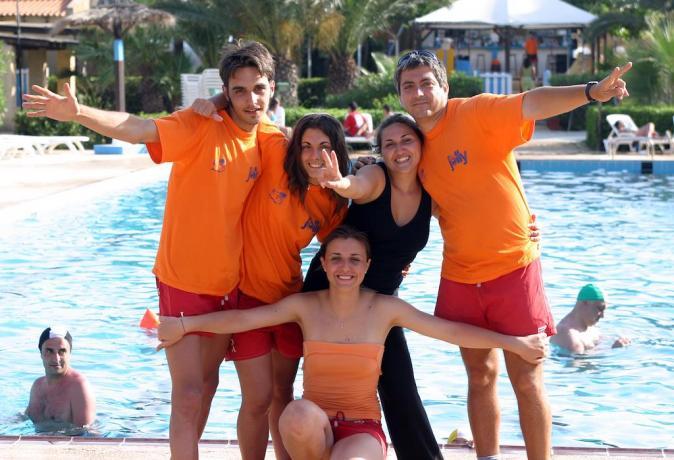 mazaradelvallo-villaggioturistico-hotel-residence-piscina-animazione-discoteca-teatro-spiaggia-larinascita