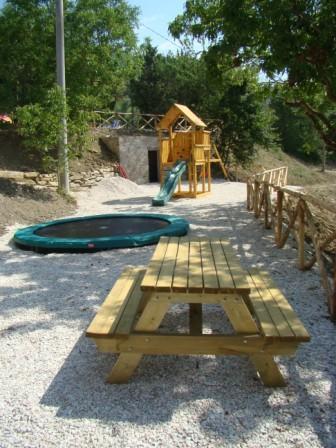 Giochi all'esterno per i bambini Relais Umbria