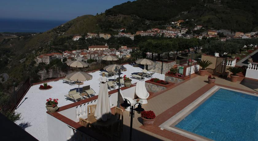 panoramica dell'hotel tra Basilicata e Calabria