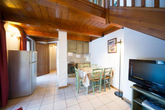 Bilocale soppalcato appartamento-vacanza con cucina Bardonecchia