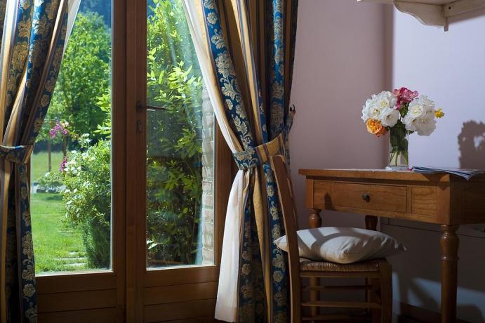 splendidi appartamenti con giardino privato e piscine