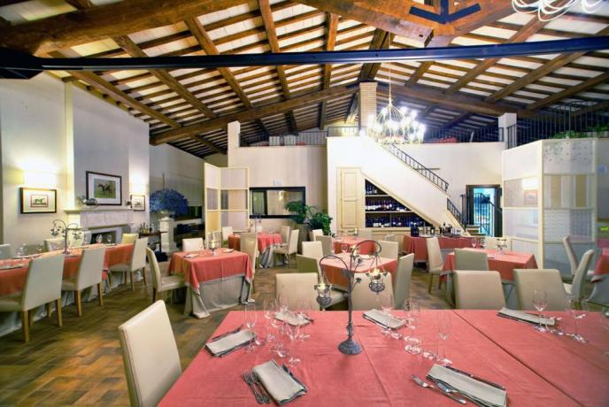 Ristorante romantico in resort a Spoleto