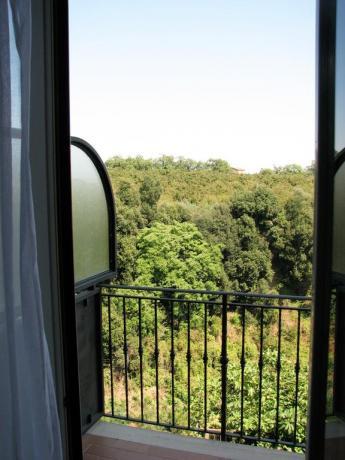 Appartamento con piccolo balcone residence Ronciglione