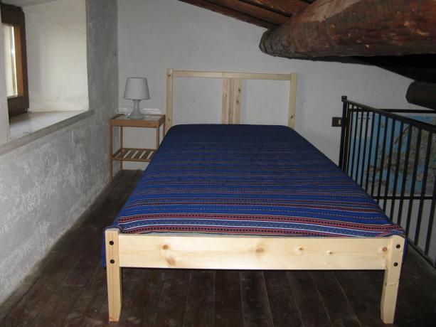 Monolocale in Abruzzo, soppalco con letto aggiunto