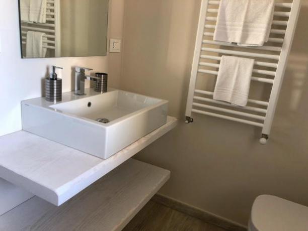 Camera con Bagno Privato e Asciugasalviette