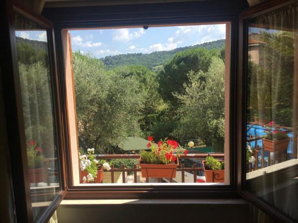 In Umbria villa-vacanze collina con splendida vista