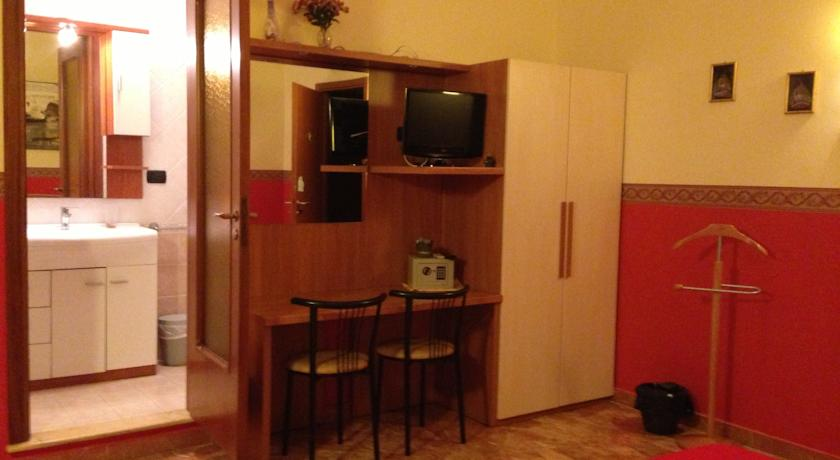 Camere con Tv e cassaforte a Lecce