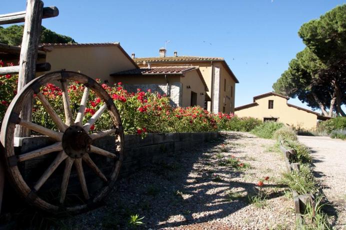 Appartamenti vacanza, residence con giardino, Alta Maremma,Toscana