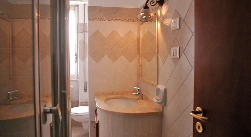 Dettaglio bagno privato in camera