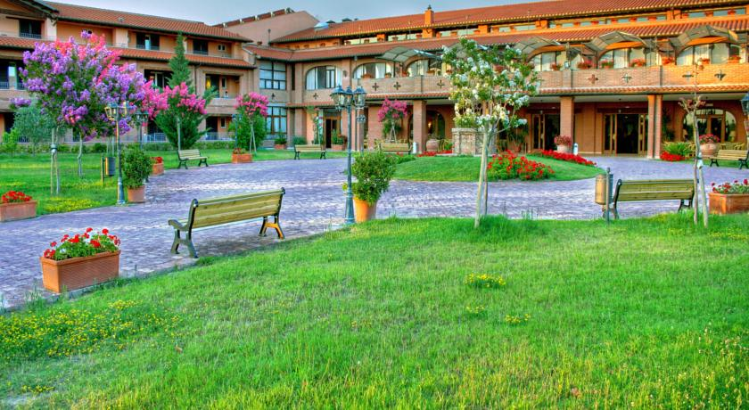 Resort vicino Grosseto con Piscina e Benessere