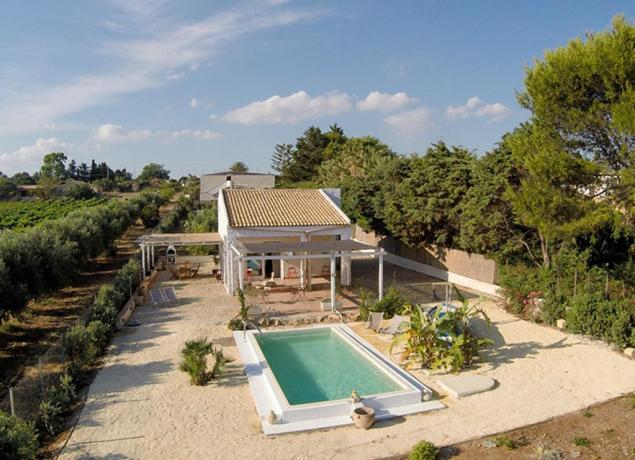 Villa con piscina e spiaggia a selinunte villa con piscina - Villa con piscina sicilia ...